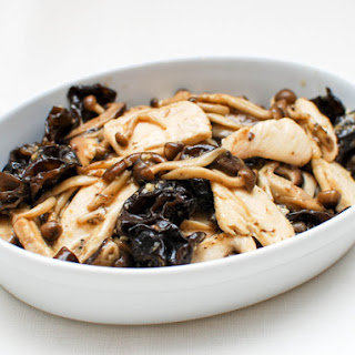 Stir-Fried Chicken With Mushrooms and Oyster Sauce