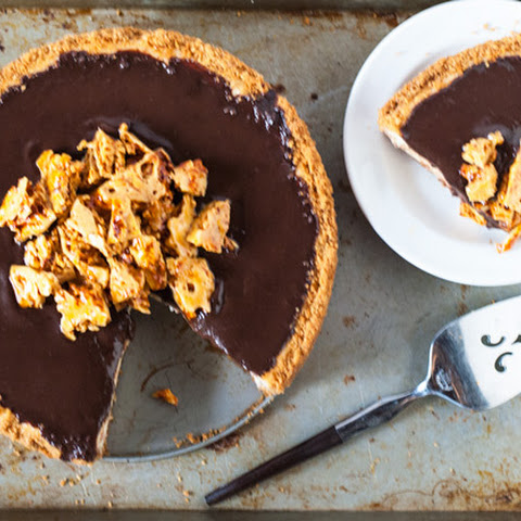 Honey-Scented Cheesecake with Chocolate Ganache and Honeycomb