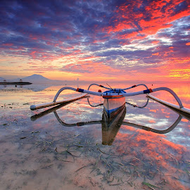 Morning Spirit by Sunan Tara - Landscapes Sunsets & Sunrises ( canon, water, bali, sunan, reflection, mountain, bale, 10-22mm, sanur, land, seascape, beach, landscape, burning, boat, sun, sunanbaliphotography, jukung, rise, sunrise )