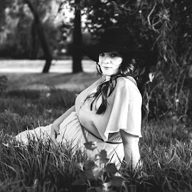 Awaiting a miracle by Mandy Steenkamp - People Maternity ( #baby, #maternity, #portrait, #black&white, #photography )
