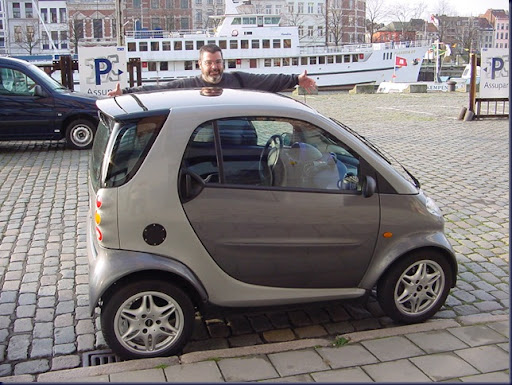 041_Antwerp - Small Car Big Man