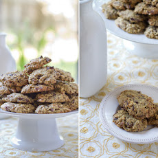 Spiced Pumpkin Oat Cookies with Pumpkin Seeds