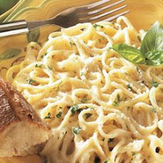 Linguine with Creamy Alfredo Sauce