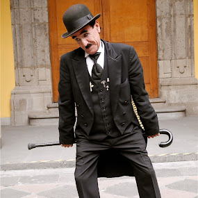 DON TRINI ( EL CHAPLIN MEXICANO ) by Jose Mata - People Musicians & Entertainers