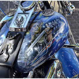 Une histoire sur le réservoir de moto.. by Phot ' O 3 P - Transportation Motorcycles ( décor, réservoir, customisation, moto,  )