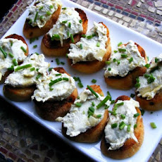 Cheezy Artichoke Crostini