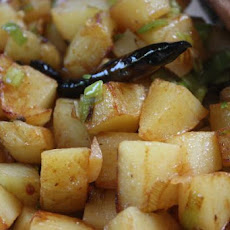 Quick and Easy Yunnan Potatoes