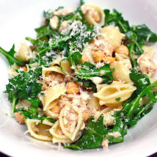 Pasta Shells with Chickpeas and Arugula