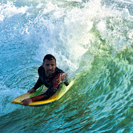 by Jeronimo Lomba - Sports & Fitness Surfing