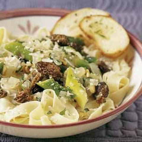 Fettuccine with Asparagus and Morels