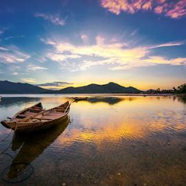 Lovers by Thảo Nguyễn Đắc - Transportation Boats