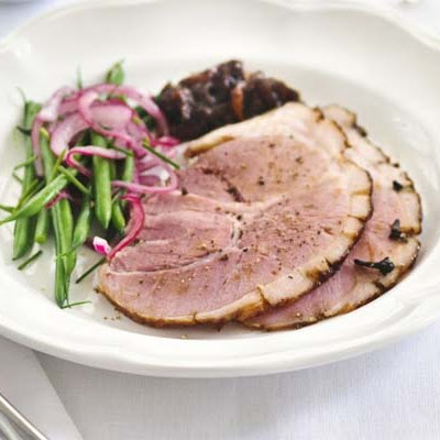 Sticky Treacle-glazed Ham