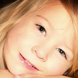 Annie 6638 by Kelly Murdoch - Babies & Children Child Portraits ( face, uk, smooth, zta, skin, ztam, eyes, child, england, girl, female, lips, hair, nose )
