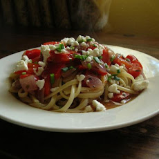 Linguini With Roasted Garlic and Red Peppers