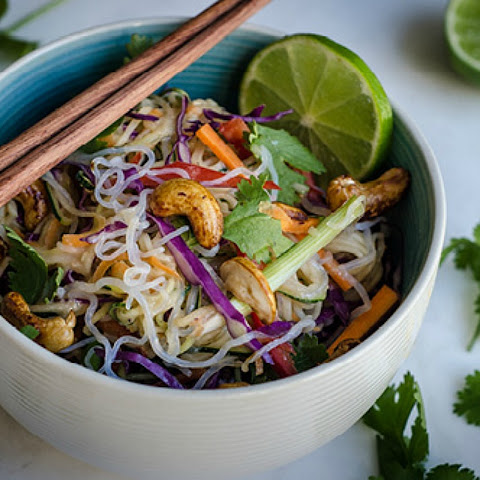 Super Healthy and Zesty Raw-Vegan Pad Thai [Gluten-Free]