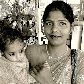 MOTHER & CHILD by Doug Hilson - People Family ( child, kohl eyes, mother, india )
