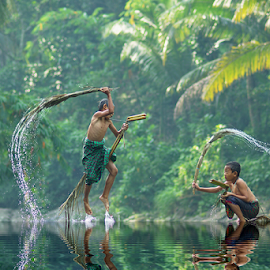 by Saiful El-Shyrazy - Babies & Children Children Candids ( playing, water, children, forest )