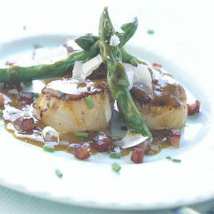 Pan-seared Scallops with Asparagus and Pancetta Recipe | Yummly