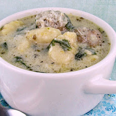 Tiny Meatball, Gnocchi and Spinach Soup