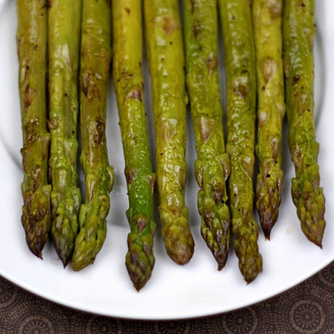 Roasted Asparagus with Balsamic Butter Recept | Yummly