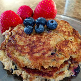 FIT FRIDAY- OATMEAL BLUEBERRY PANCAKES