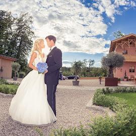 Love  by Hochzeitsfotograf Charles Diehle - Wedding Bride & Groom ( la villa, hochzeit lena und nicolai )