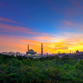 Sunrise at Masjid Wilayah by Nur Ismail Mohammed - Buildings & Architecture Places of Worship ( hartamas, skyline, masjid, hdr, mosque, publika, place of worship, solaris, sunrise )