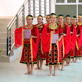 Traditional Niasian Dance by Leong Jeam Wong - People Musicians & Entertainers ( ladies, uniform, dress, traditional, dancer, nias )