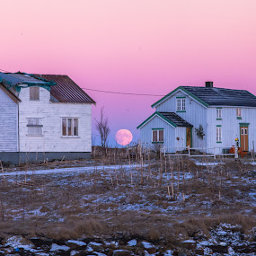 Arctic Andøy by Benny Høynes - Buildings & Architecture Homes ( moon, andøya, arctic, colours, norway )