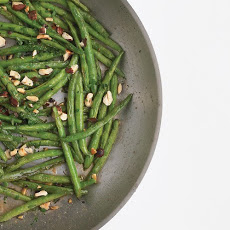 Green Beans with Hazelnuts