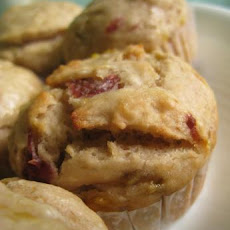 Strawberry-Banana Milkshake Muffins