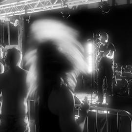 Bang That Head That Doesn't Bang by Dark Reid - News & Events Entertainment ( rock royalty, knebworth, heavy metal, sonisphere, headbanging )
