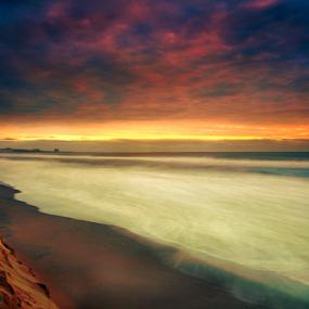 sunrise at the beach by Cristobal Garciaferro Rubio - Landscapes Beaches ( shore, chachalacas, rise, mexico, sea, veracruz, sun )