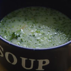 Easy & Delicious Broccoli Cheese Soup