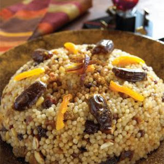 Moroccan Sweet Couscous with Mixed Dried Fruits