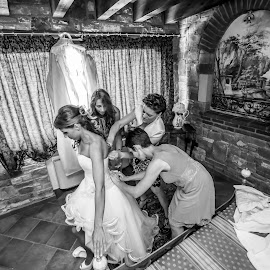 Laura preparativi by Mauro Locatelli - Wedding Bride ( preparation, black and white, wedding, bride )