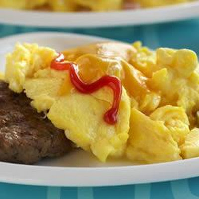 Cheeseburger-Topped Scrambled Eggs