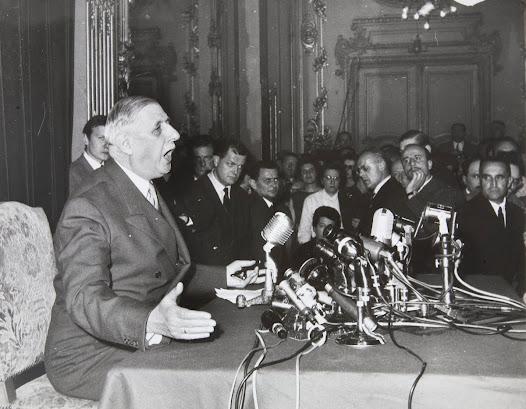 Elle sera néanmoins le témoin d'événements des plus divers : centre d'accueil des prisonniers et des déportés en 1945, lieu choisi par le général de Gaulle pour annoncer son retour en politique en 1958, décor de cinéma pour Orson Wells et Bernardo Bertolucci dans les années 1960…