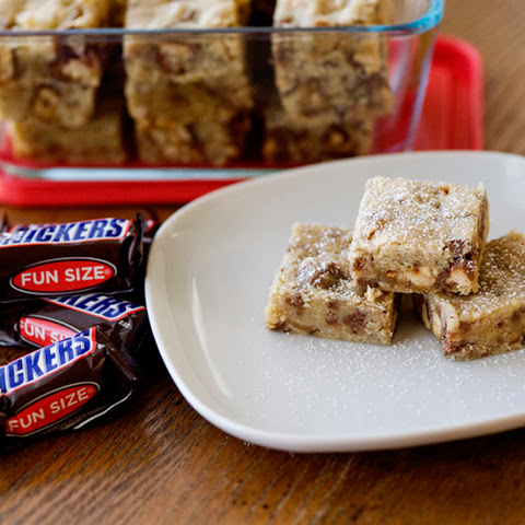 Snickers Cookie Bars [Week 3 of 12 Weeks of Cookies]