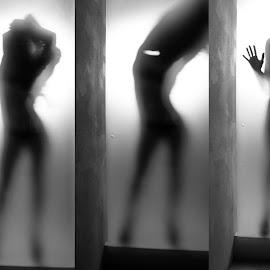 Streeptease by Cesare Riccardi - Nudes & Boudoir Artistic Nude