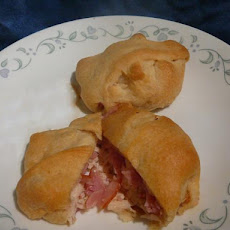 Easy Chicken Cordon Bleu Pockets