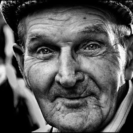 Happy old by Etienne Chalmet - People Portraits of Men ( old, black and white, street, man,  )