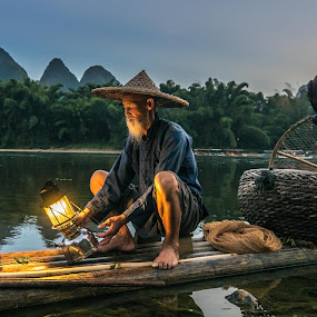 by Shalabh Sharma - People Professional People ( yangshuo, li river, fisherman, guilin, guangxi, china )