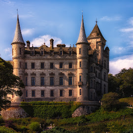 Dunrobin Castle by Johannes Oehl - Buildings & Architecture Public & Historical ( uk, sutherland, rich, dunrobin castle, schottland, fary tale, united kingdom, gb, towers, clan, filthy rich, great britain, castle, garden )