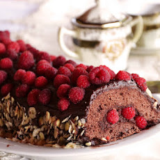 Raspberry-Chocolate Roll Cake