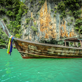 Beautiful colours of Phi phi Island by Esther Visser - Transportation Boats (  )