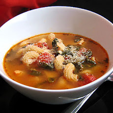 After Thanksgiving Soup With Garlic, Spinach, and Tomatoes
