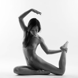 Swami by La Prairie - Nudes & Boudoir Artistic Nude