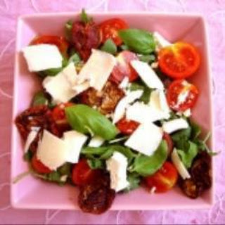 Ricotta And Sun-dried Tomato Rocket Salad