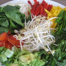 100% Raw Thai Salad